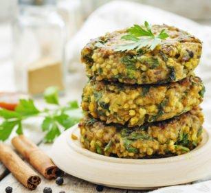 Herzhafte Hirse-Patties für deinen Veggie-Burger