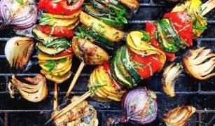 Würzige Gemüsespieße vom Grill
