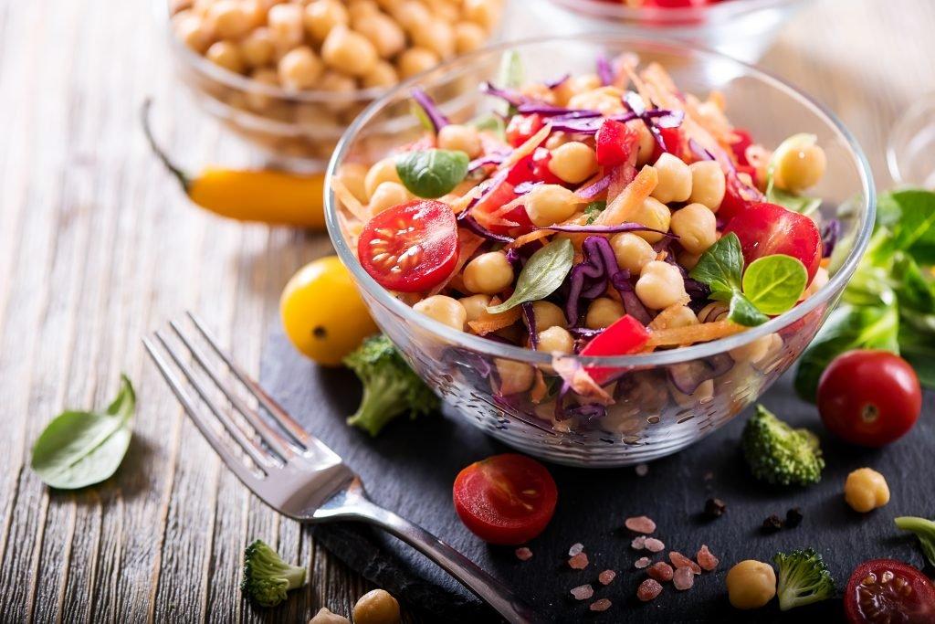 Tomaten-Kichererbsen-Salat